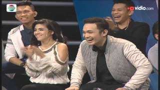 "Video ""Padang"" - Abdel Achrian Guest Star Stand Up Comedy Club MP3, 3GP, MP4, WEBM, AVI, FLV Februari 2018"