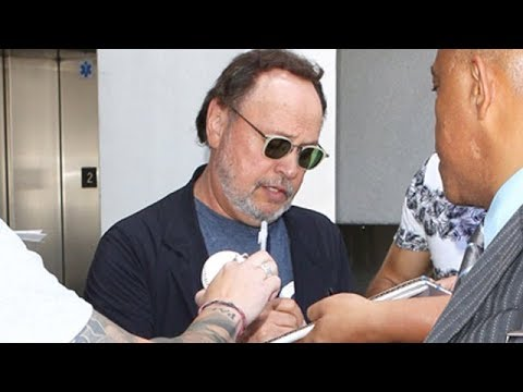 Comedy Legend Billy Crystal Makes Time For Fans