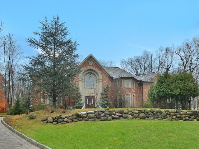 146 E. Allendale Rd. Saddle River, NJ 07458 | Joshua M. Baris | Realtor |