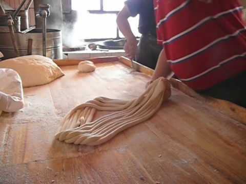 Making Traditional Uyghur Noodles.m4v
