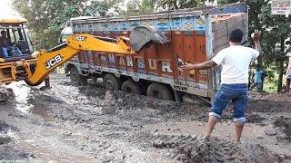 Tata Lpt 3118c Stuck in Mud Rescue By Jcb Machine.