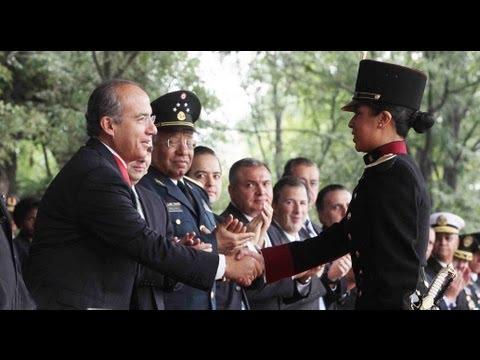 Calderon rinde homenaje a los Niños Héroes