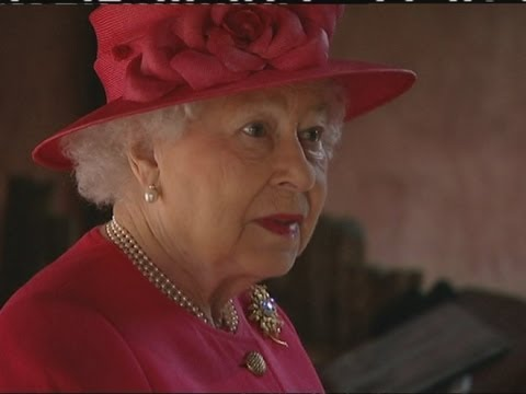 The Queen Pays A Visit To The Rhinos At Chester Zoo