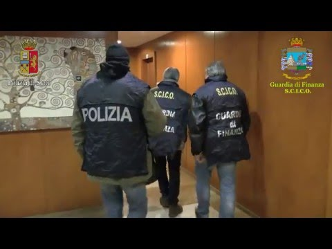 Gioco online all'estero: 11 arresti, sequestri per 100 milioni VIDEO