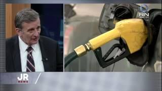Para falar sobre a mais recente medida do governo Michel Temer, o Jornal da Record News recebeu nesta quinta (20) o economista Roberto Luís Troster. Ele analisou o aumento de impostos que resultará no aumento do preço de gasolina, diesel e etanol ao consumidor final.