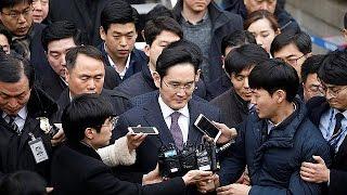 SAMSUNG EL.0,5GDRS144A/95 - Herdeiro do império Samsung ouvido em tribunal