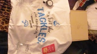 Watch as I unbox whats in this months Stars Hollow Monthly box from Lit-Cube! Subscribe to my channel!Follow me on Twitter and Facebook: JoiseyDaniFollow me on Instagram: JoiseyDani78