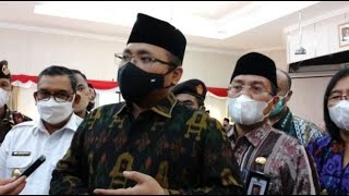 Video KETIKA ADZAN DIATUR | KH TENGKU ZULKARNAIN KHUTBAH JUM'AT MP3, 3GP, MP4, WEBM, AVI, FLV Februari 2019