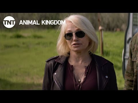 Animal Kingdom: Smurf Goes For A Ride - Season 2, Ep. 5 [CLIP] | TNT