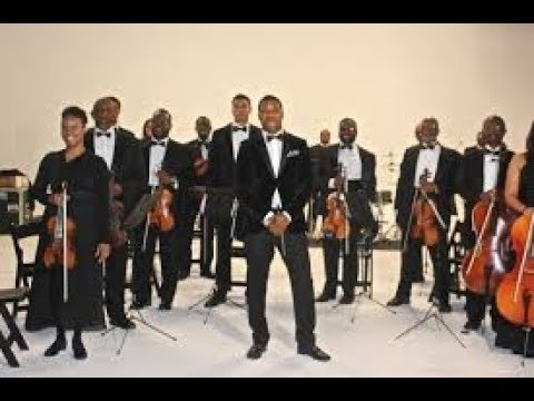WOW ! orchestra plays Kanye West Flashing Lights