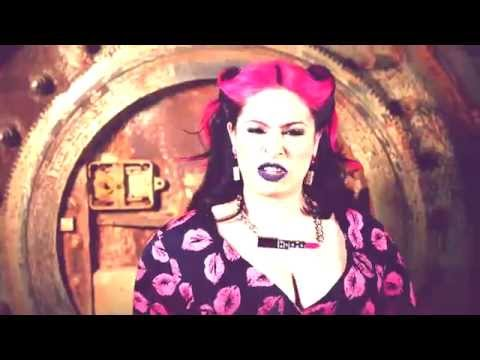 PINQY RING – LIPSTICK [VIDEOCLIP]