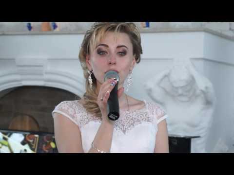 Невеста трогательно зацепила души всех, кто находился на свадьбе