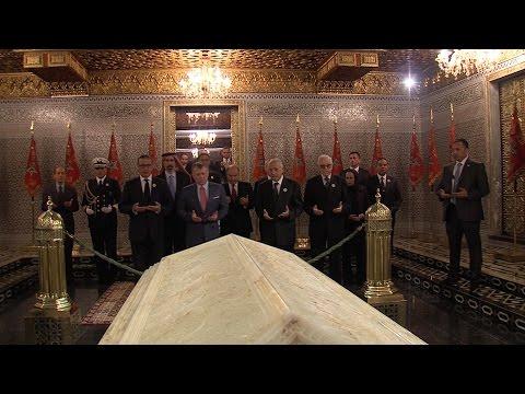 جلالة الملك عبد الله الثاني يزور ضريح محمد الخامس