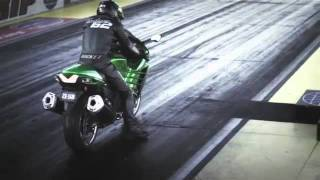8. Kawasaki ZZR 1400 2012 vs Suzuki Hayabusa 1300 2011