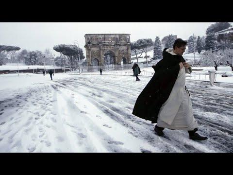 Schnee-Spektakel: Rom erstrahlt ganz in weiß