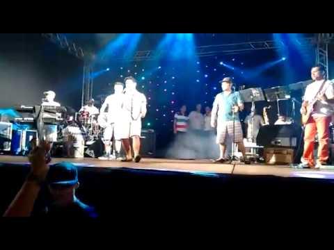Virada 2015 em Pirangucu ..... Valeu banda pela oportunidade  de cantar uma música aí
