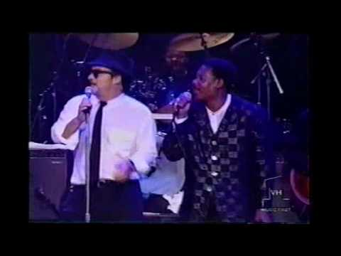 15 Everybody Needs Somebody To Love , Outtro Blues Brothers On Parole And In Concert