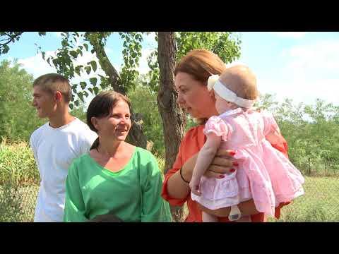 Президентская чета подарила дом многодетной семьи из Флорештского района
