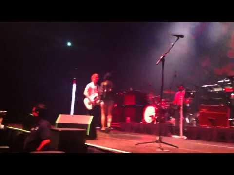 This Kiss - Carly Rae Jepsen | Front Row at Hot 95-7