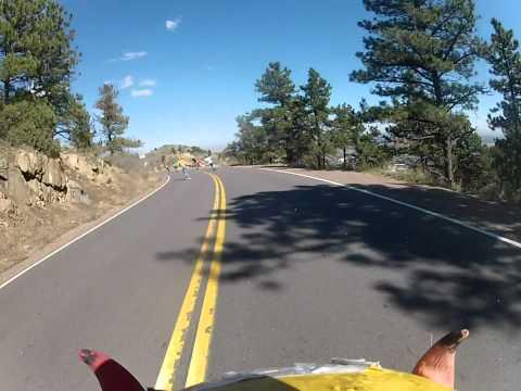 滑滑板高速撞到野鹿,這到底是哪招!?