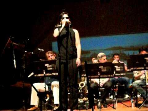 Jazz Combo & Edmundo Villani-Cortes - O passarinho da praça da matriz