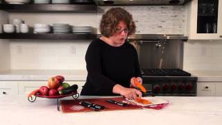 Dual Peeler with Serrated Blade Demo Video Icon