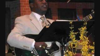 Tesfaye Gabiso: Yemiyayu Aynoch (Amharic Christian Song)