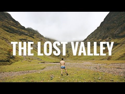 Scottish Youtubers Hike The Lost Valley of Glencoe - Scottish Highlands (видео)