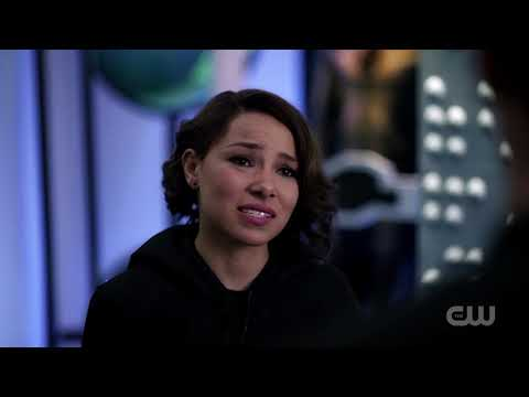 The Flash 5X08 Nora & Barry Talk, the Particle Accelerator, They Time-Travel Back to 2018 #7