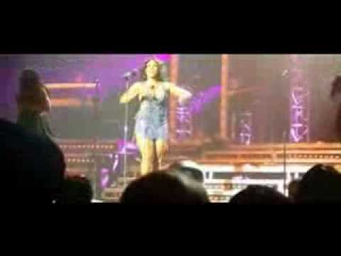 Toni Braxton's Wardrobe Malfunction Exposes Singer's Derriere During Concert