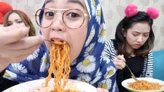 Video FIRE NOODLE CHALLENGE - Ria Ricis MP3, 3GP, MP4, WEBM, AVI, FLV September 2019