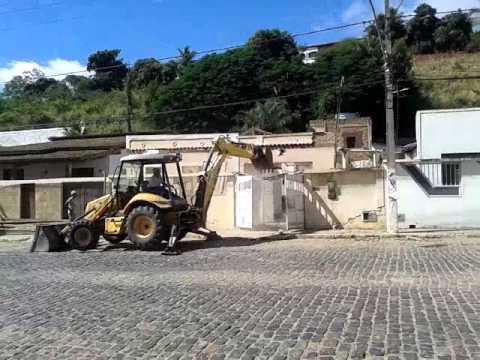Demolinda casa em jaguaquara