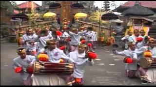 Video Kreasi Baleganjur Sekehe Gong Jenggala Gora Desa Adat Tegal Linggah Gianyar MP3, 3GP, MP4, WEBM, AVI, FLV Desember 2018