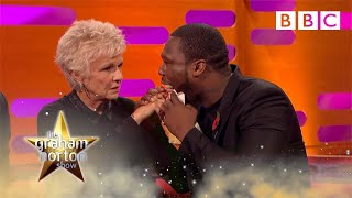 Video Julie Walters feels 50 Cent's gun shot wounds - The Graham Norton Show: Series 18 Episode 7 - BBC MP3, 3GP, MP4, WEBM, AVI, FLV September 2018