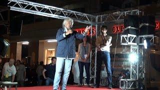 Beppe Grillo ad Ostia per la legalità: noi ci vogliamo un gran bene
