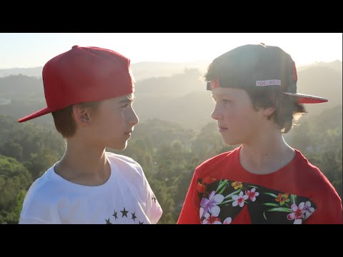 Video Taylor Swift- Wonderland (Johnny Orlando ft Hayden Summerall) download in MP3, 3GP, MP4, WEBM, AVI, FLV January 2017
