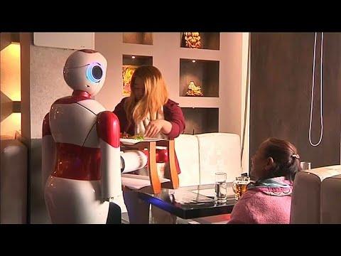 Νεπάλ: Εστιατόριο με…ρομπότ!