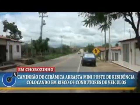 Em Chorozinho-CE/ Caminhão derruba mini poste e causa transtorno na Rua