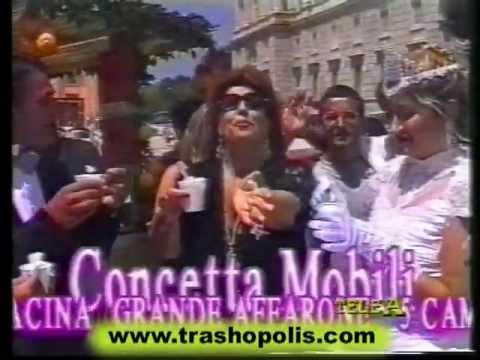 Concetta Mobili vi fa fare il giro alla Reggia di Caserta. E vi regala pure la limonata!