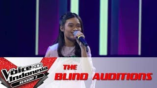 "Video Raulla  ""At Last"" | The Blind Auditions | The Voice Kids Indonesia Season 2 GlobalTV 2017 MP3, 3GP, MP4, WEBM, AVI, FLV Oktober 2017"