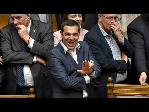 Griechenland: Regierungschef Tsipras übersteht erfolg ...