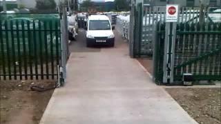 Synchronised Gates