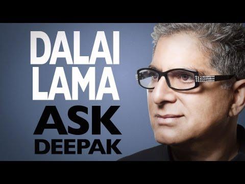 Дийпак Чопра поздравява Далай Лама по случай 77-мия му рожден ден през 2012 г.