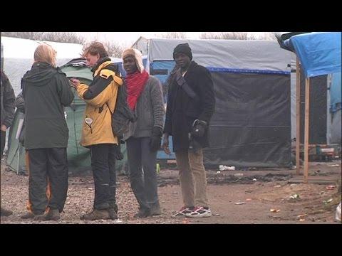 La moitié de la jungle de Calais démantelée