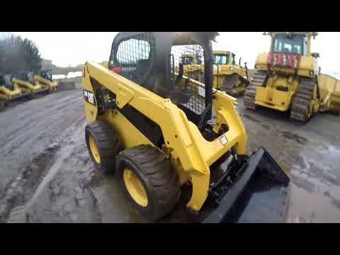 CATERPILLAR KOMPAKTLADER 236D equipment video 9pLPcvxYO14