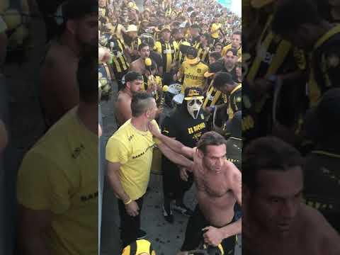 Entrada de bombos Peñarol vs Racing 2018 - Barra Amsterdam - Peñarol