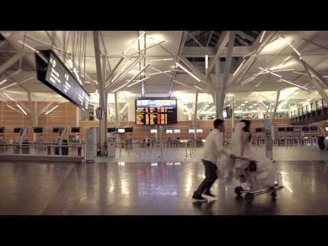 The Fairmont Vancouver Airport Runway Wedding