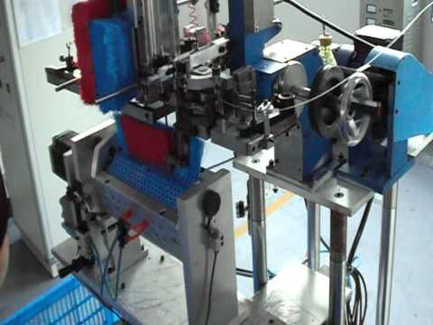 insertadora - Maquina para fabricar escoba.