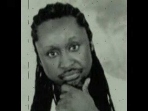 old school mapouka - Its said that this artist brought rap [hiplife] into Ghana. He is ver talented and his songs are super aight. Surely one of the best hiplife artist.