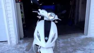 2. Piaggio fly 150 review, In depth tour, and exhaust.